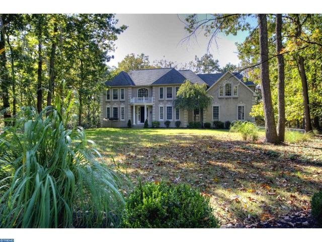 5 Franklin Ct, Southampton, NJ 08088