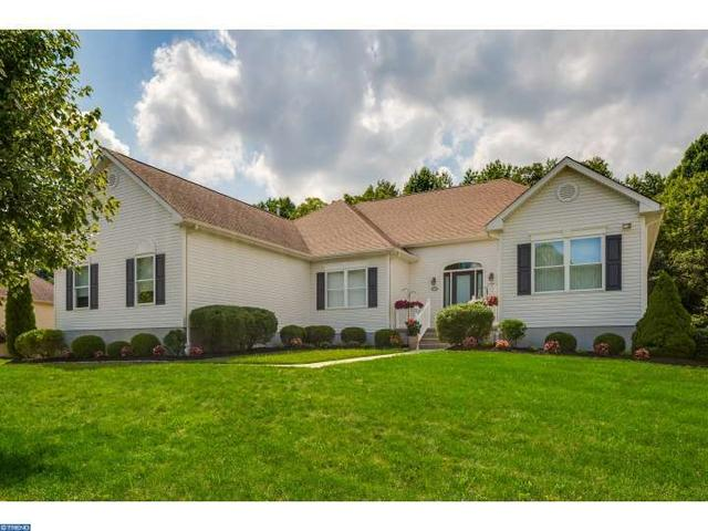 7 Crossings Ct, Mount Laurel, NJ 08054