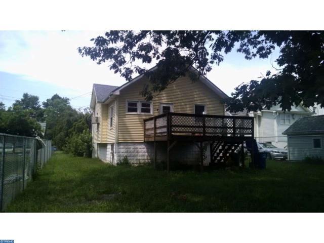 111 N Forklanding Rd, Maple Shade, NJ 08052
