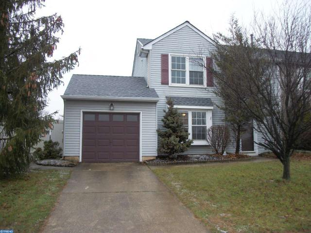 49 Old Orchard Dr, Sicklerville, NJ 08081