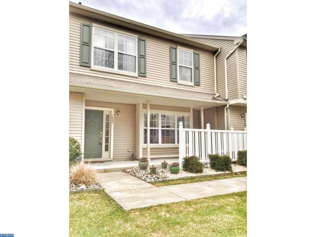 1607 Beacon Hill Dr, Sicklerville, NJ 08081