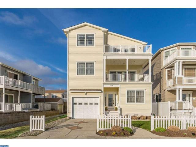 201 7th St N, Brigantine, NJ 08203