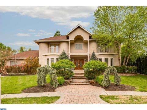 12 Carriage House Ct, Cherry Hill, NJ 08003