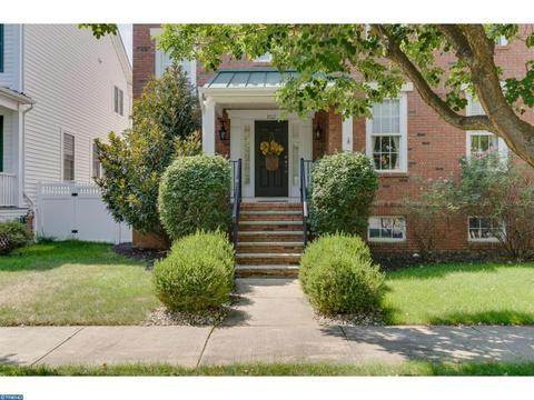 802 Cypress St, Robbinsville, NJ 08691