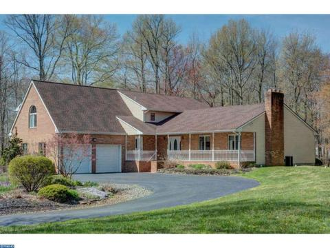 12 W Manor Way, Robbinsville, NJ 08691