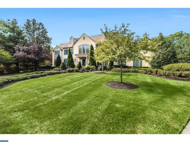 7 Leeds Rd, Moorestown, NJ 08057