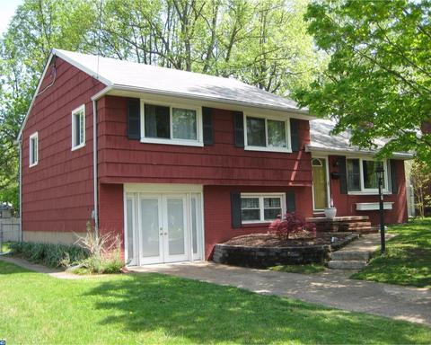1205 Oakwood Rd, Haddonfield, NJ 08033