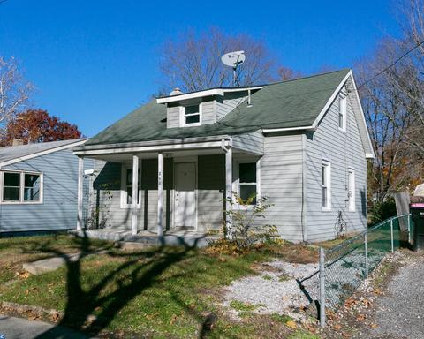 211 W Lake Ave, Blackwood, NJ 08012