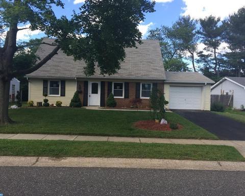 75 Melville Ln, Willingboro, NJ 08046