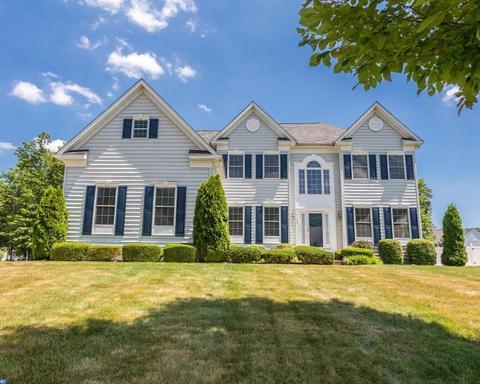 108 Blue Meadow Ln, Sicklerville, NJ 08081