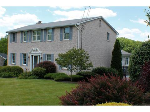 120 Valleycrest Dr, Cecil, PA 15321