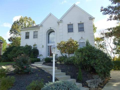 2543 Minton Dr, Moon Twp, PA 15108