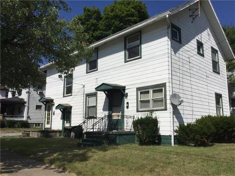 704 N Mercer St, New Castle, PA 16101