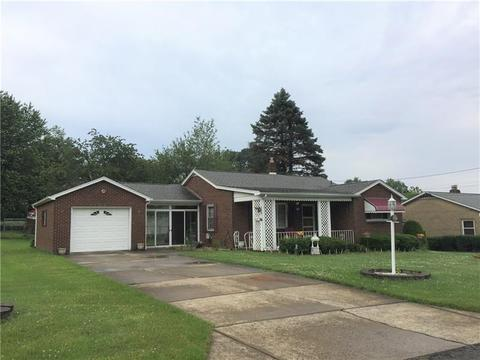 317 Lincoln Ave, Farrell, PA 16121