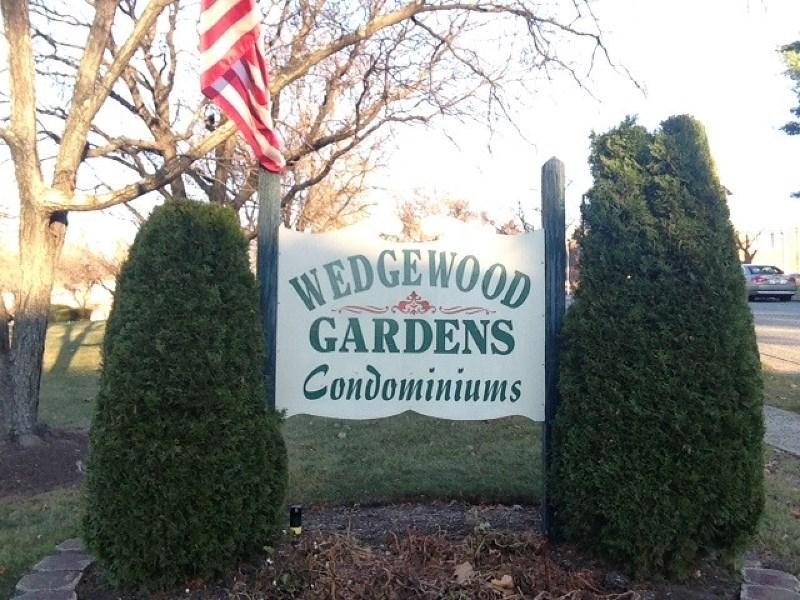 19 Wedgewood Dr, Verona, NJ