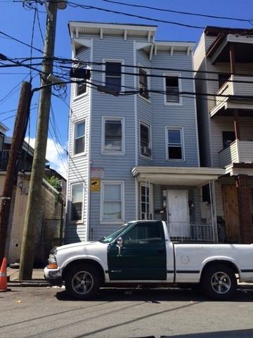 790 E 18th St, Paterson, NJ 07501