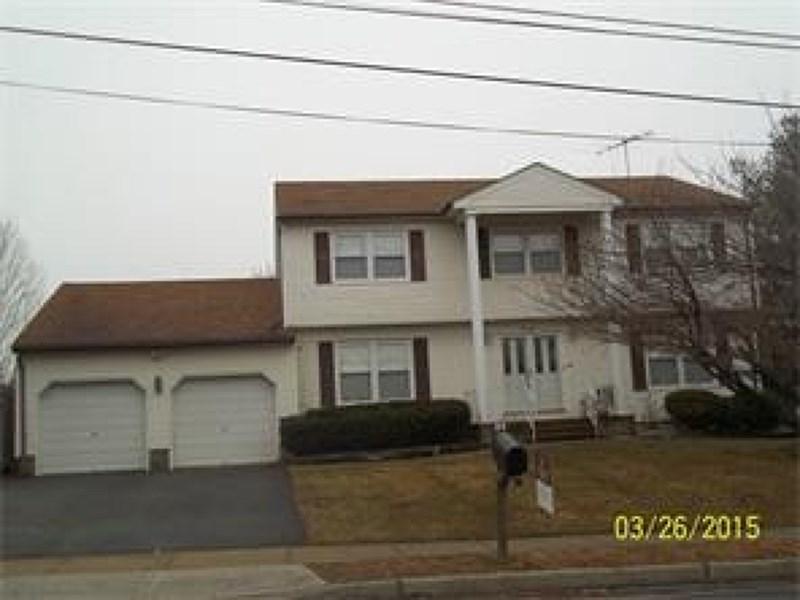 41 Sand Hills Rd, Kendall Park, NJ