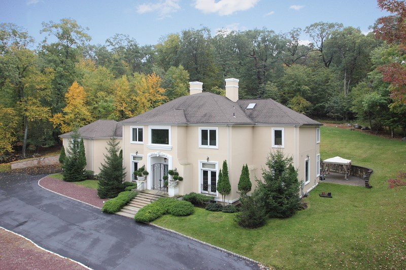904 Olentangy Rd, Franklin Lakes, NJ