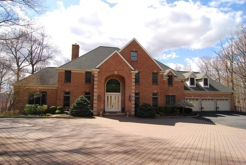 9 Hutchins Ln, Randolph, NJ