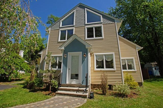 13 Lakeview Rd, Sparta, NJ
