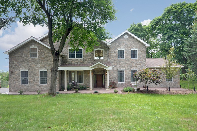 62 Undercliff Ter, West Orange, NJ
