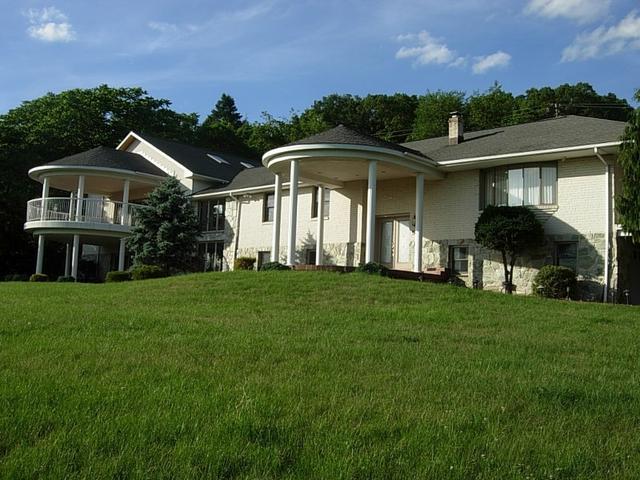 674 Uniontown Rd, Phillipsburg, NJ 08865