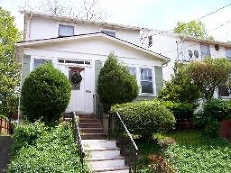 70 Melrose Ave, Irvington, NJ