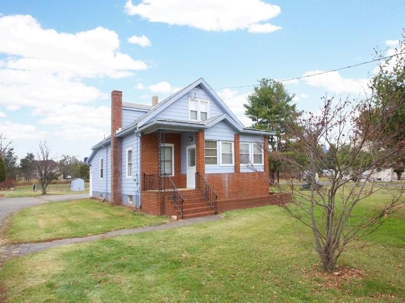 157 Cedar Grove Ln, Somerset, NJ