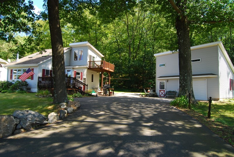 62 Brady Rd, Lake Hopatcong, NJ