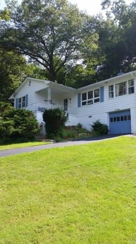 4 N Glen Rd, Highland Lakes, NJ 07422
