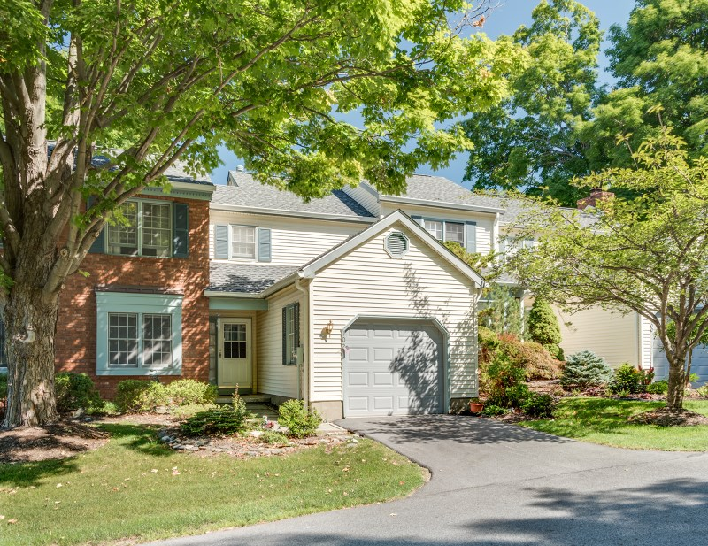 102 Goldfinch Mdw, Hackettstown, NJ
