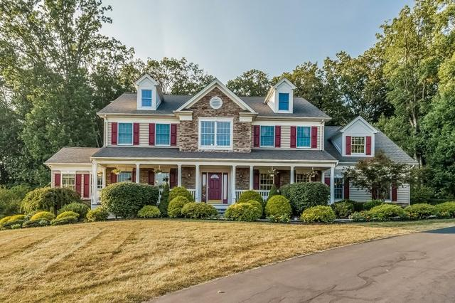 2 Foxwood Ln, Milford, NJ