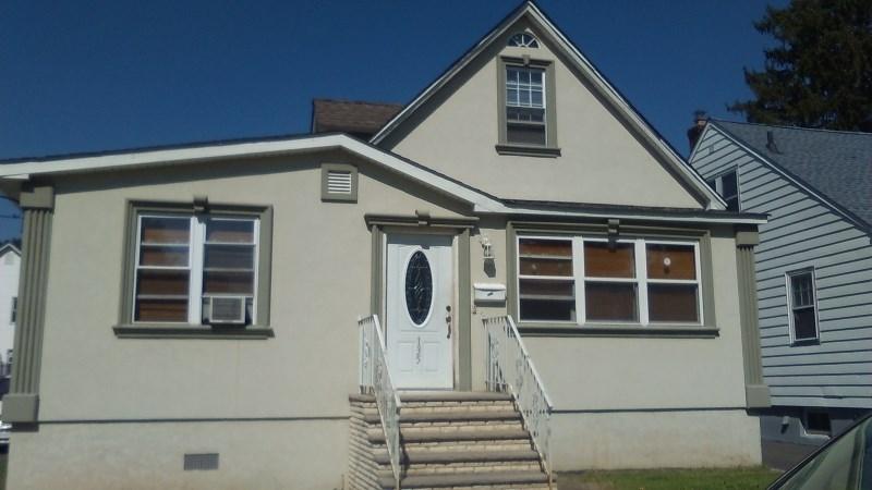 135 E Stimpson Ave, Linden, NJ