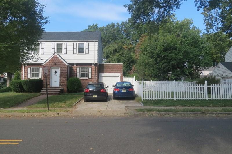 354 Whitelaw Pl, Teaneck, NJ