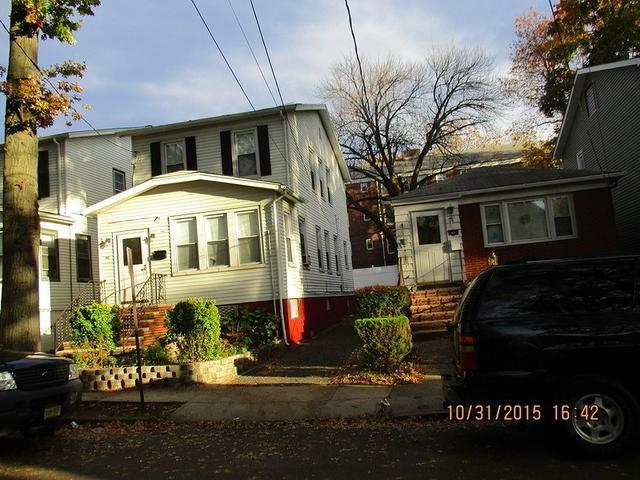 58 Rutgers St, Irvington, NJ 07111