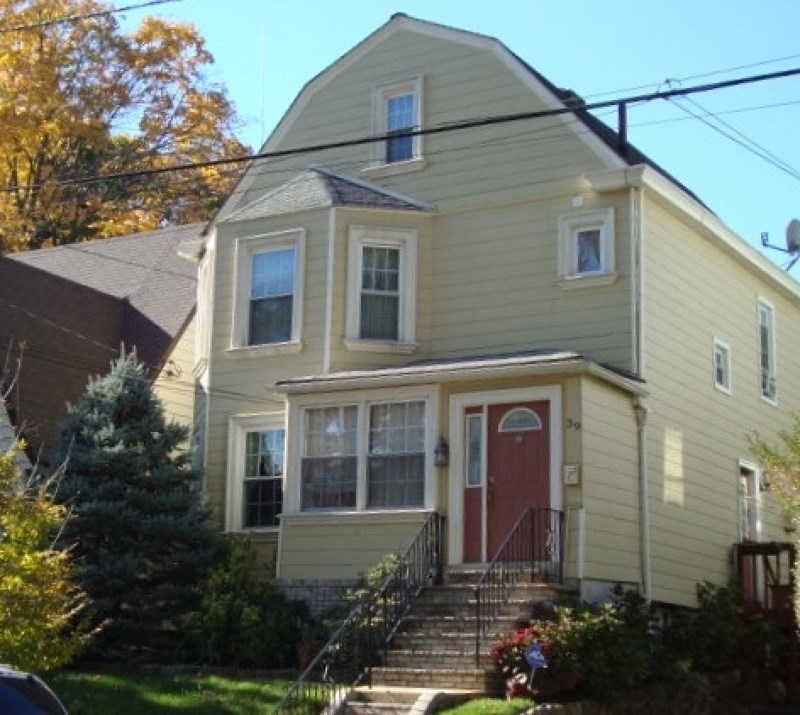 39 Oakridge Rd, West Orange, NJ