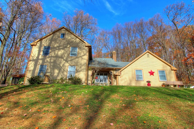 92 Sweet Hollow Rd, Milford, NJ
