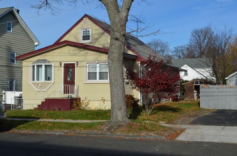 215 Sheridan Ave, Roselle Park, NJ
