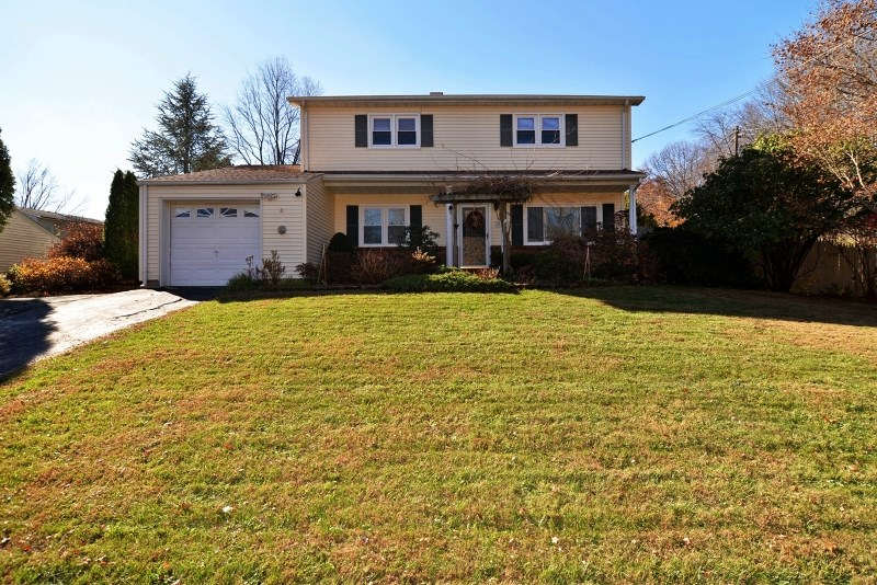 100 College View Dr, Hackettstown, NJ