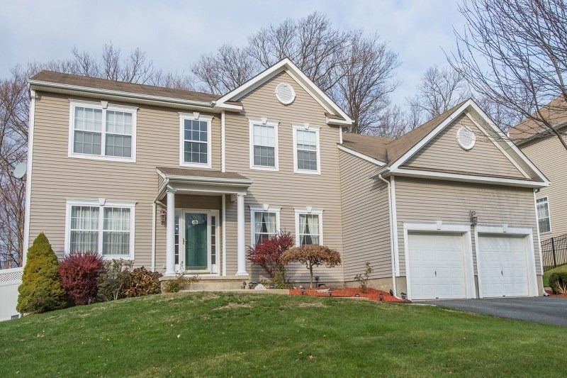 63 Hill Hollow Rd, Lake Hopatcong, NJ