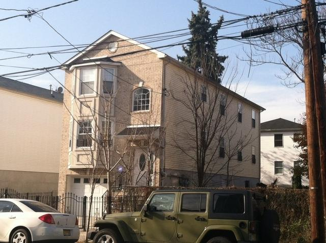 423 S 18th St, Newark, NJ 07103