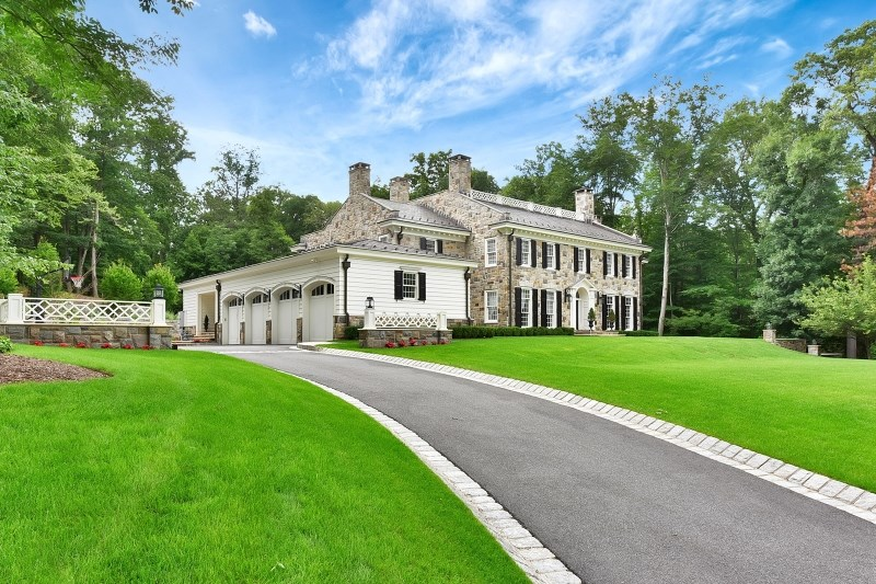 628 Winding Hollow Dr, Franklin Lakes, NJ