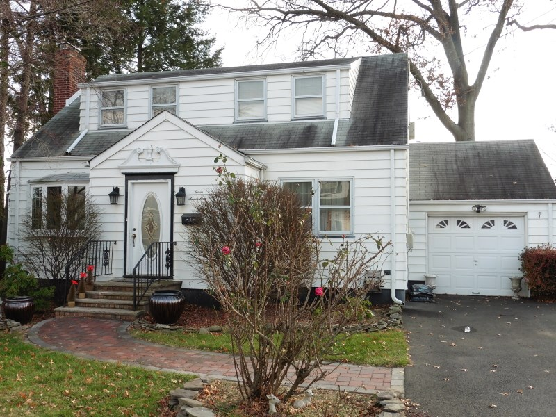 317 St Johns Pl, Union, NJ
