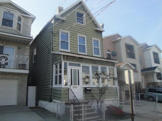 44 Florida St, Elizabethport NJ 07206