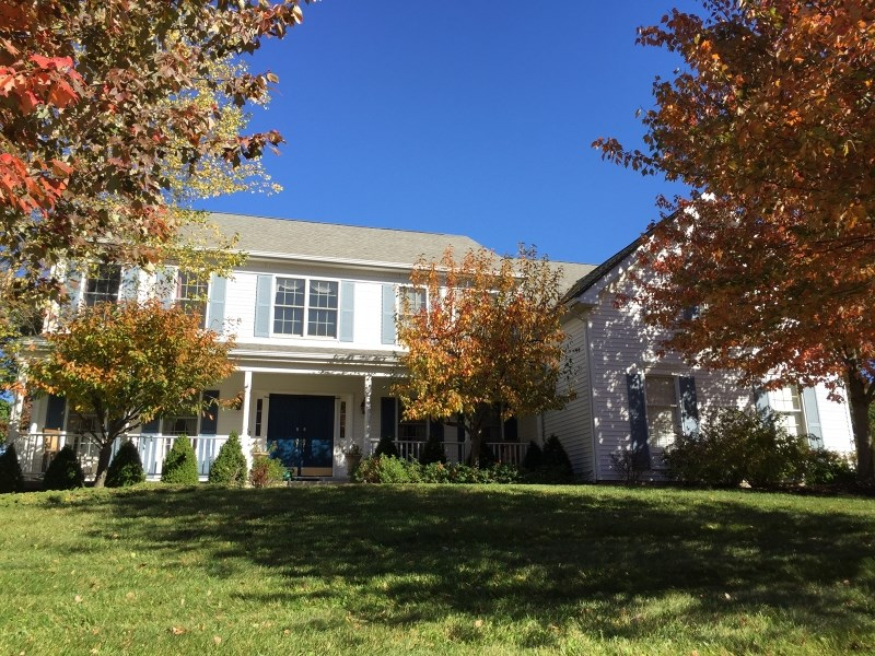 52 Wyckoff Dr, Pittstown, NJ
