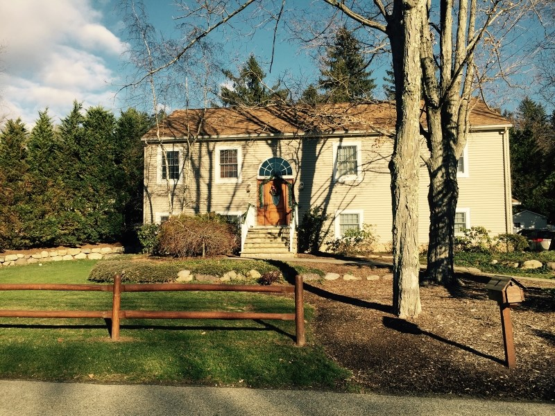 7 Berry Ln, West Milford, NJ