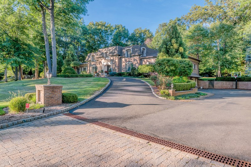 752 Shoshone Trl, Franklin Lakes, NJ