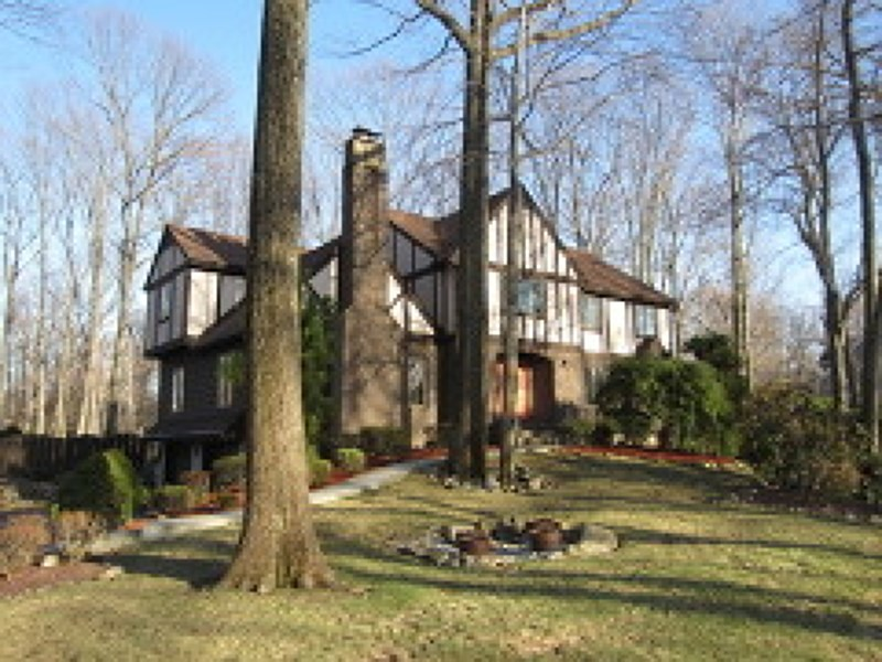 715 Arnold Dr, Franklin Lakes, NJ
