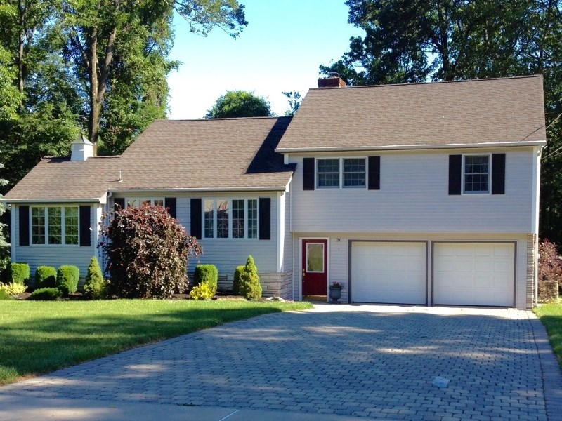 20 Yacht Club Dr, Lake Hopatcong, NJ