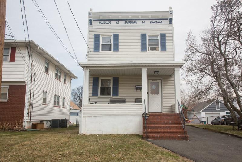1321 Clinton St, Linden, NJ